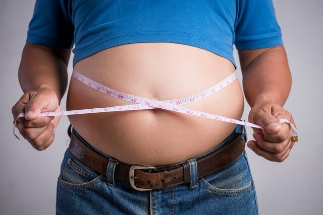 8 Simple tricks to Lose Belly Fat fast - How much should a man's waist size be?